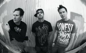 Новый альбом Blink-182 не слишком хорошо продается